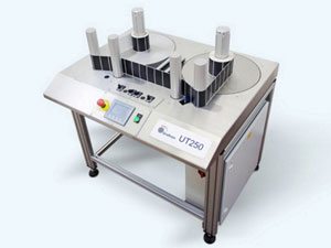 Rewinding table for labels in the printing industry.